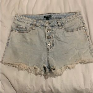 Light washed shorts